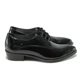 Дамски обувки на среден ток - естествена кожа-лак - черни - EO-5005