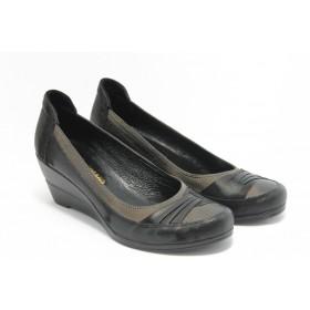 Дамски обувки на платформа - естествена кожа - черни - EO-3101