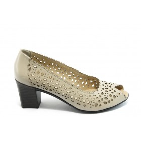 Дамски обувки на среден ток - естествена кожа с перфорация - бежови - EO-3824