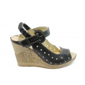 Дамски сандали - естествена кожа с перфорация - черни - EO-3874