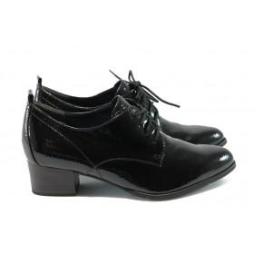 Дамски обувки на среден ток - естествена кожа-лак - черни - EO-4777