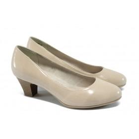 Дамски обувки на среден ток - еко кожа-лак - бежови - EO-5719