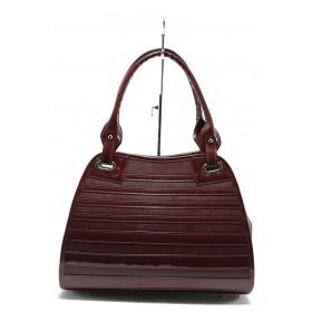 Дамска чанта - висококачествена еко-кожа в съчетание с еко кожа-лак - бордо - EO-7710