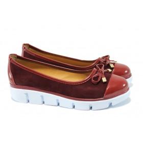 Дамски обувки на платформа - висококачествен еко-велур - бордо - EO-6334