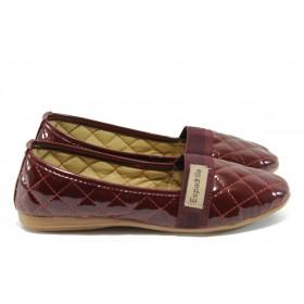 Равни дамски обувки - еко кожа-лак - бордо - EO-6341