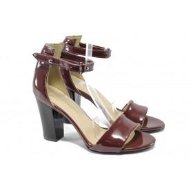 Дамски сандали - еко кожа-лак - черни - EO-6383