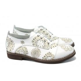 Дамски обувки на среден ток - естествена кожа с перфорация - бели - EO-6398