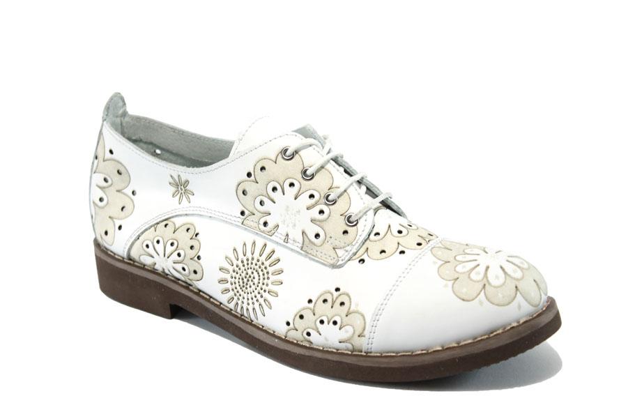 effebcafe60 Дамски обувки на среден ток - естествена кожа с перфорация - бели - EO-6398