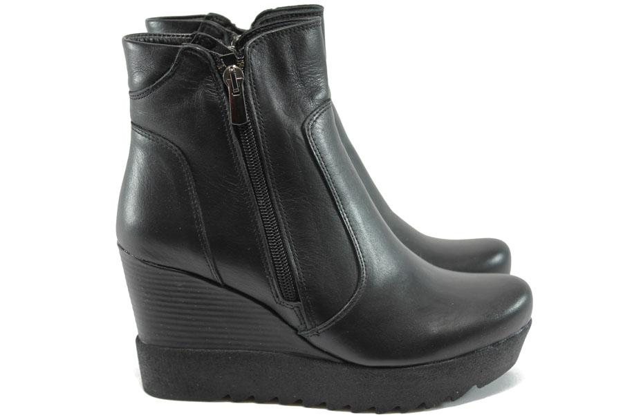 Дамски боти - естествена кожа - черни - EO-7402