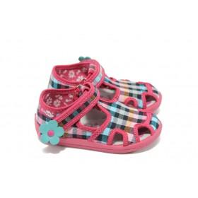 Детски сандали - висококачествен текстилен материал - розови - МА 13-141 розов каре 20/27