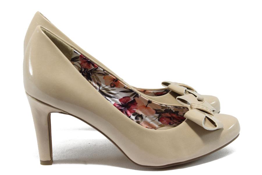 Дамски обувки на висок ток - еко кожа-лак - бежови - EO-5765