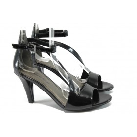 Дамски сандали - еко кожа-лак - черни - EO-6180