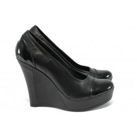 Дамски обувки на платформа - естествена кожа - черни - EO-8161