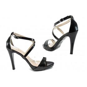 Дамски сандали - еко кожа-лак - черни - EO-8417