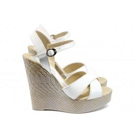 Дамски сандали - висококачествена еко-кожа - бели - EO-8539