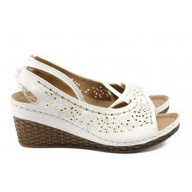 Дамски сандали - висококачествена еко-кожа - бели - EO-8833