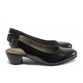 Дамски обувки на среден ток - еко кожа-лак - черни - EO-7853