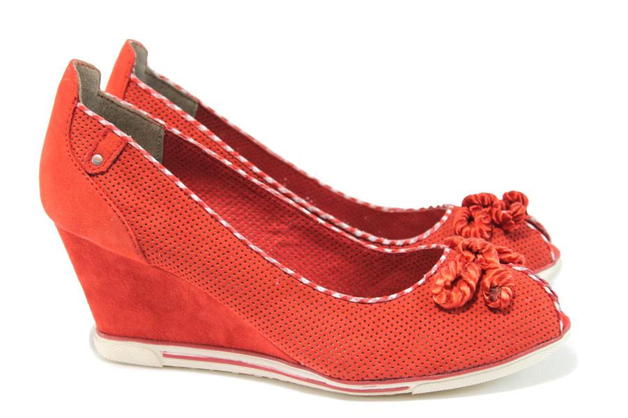 Дамски обувки на платформа - висококачествен еко-велур - червени - EO-8269