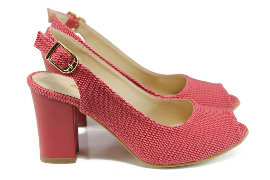 Дамски сандали - висококачествена еко-кожа - червени - EO-10808