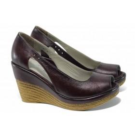 Дамски обувки на платформа - естествена кожа - бордо - EO-12405