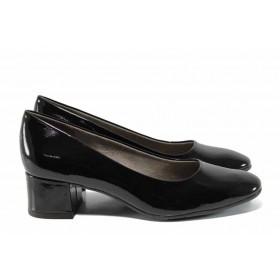 Дамски обувки на среден ток - еко кожа-лак - черни - EO-12211
