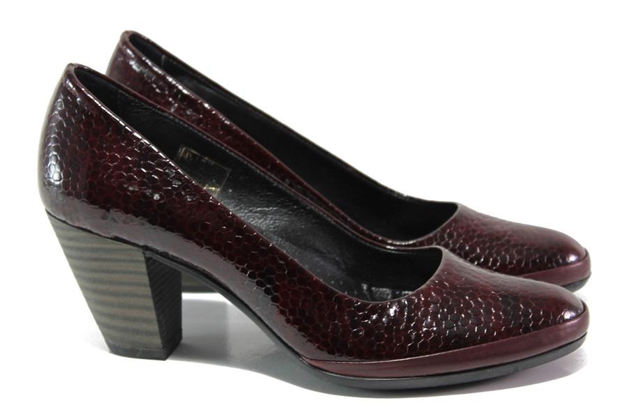 Дамски обувки на среден ток - естествена кожа-лак - бордо - EO-13655