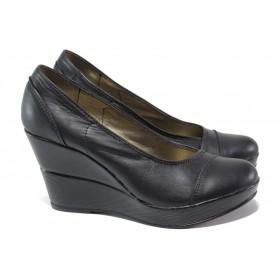 Дамски обувки на платформа - естествена кожа - черни - EO-13650