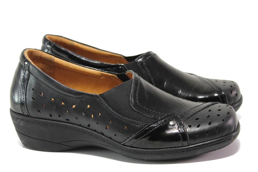Дамски обувки на платформа - естествена кожа с естествен лак - черни - EO-13764