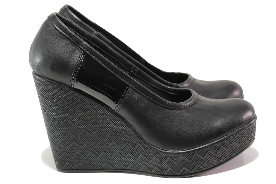 Дамски обувки на платформа - естествена кожа - черни - EO-13943