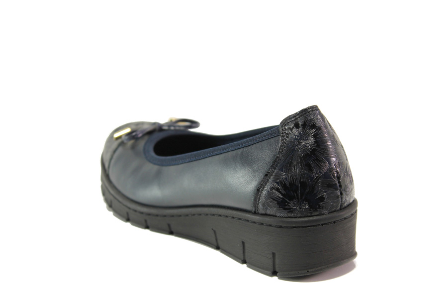 Равни дамски обувки - естествена кожа - черни - EO-15294