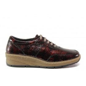 Дамски обувки на платформа - естествена кожа-лак - бордо - EO-14326
