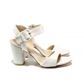 Дамски сандали - еко кожа-лак - бели - EO-14186