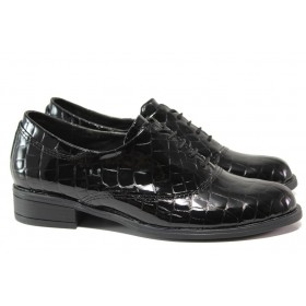 Равни дамски обувки - естествена кожа-лак - черни - EO-14490