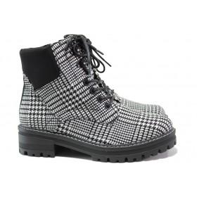 Дамски боти - висококачествен текстилен материал - черни - EO-14481