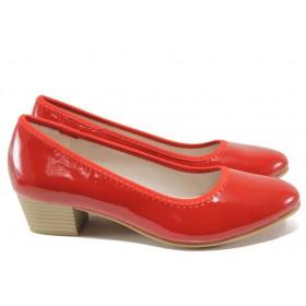 Дамски обувки на среден ток - еко кожа-лак - червени - EO-15056