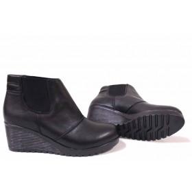 Дамски боти - естествена кожа - черни - EO-16806