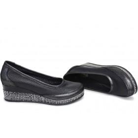 Дамски обувки на платформа - естествена кожа - черни - EO-15387