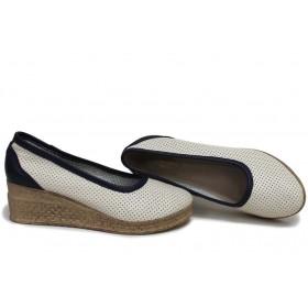 Дамски обувки на платформа - естествена кожа - бежови - EO-15393