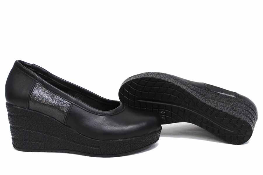 Дамски обувки на платформа - естествена кожа - черни - EO-15417