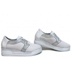 Дамски обувки на платформа - естествена кожа - бели - EO-15652