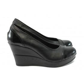 Дамски обувки на платформа - естествена кожа - черни - EO-16016