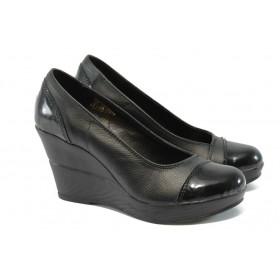 Дамски обувки - платформи