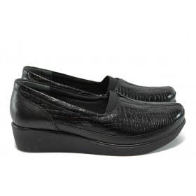 Дамски обувки на платформа - естествена кожа-лак - черни - EO-15349