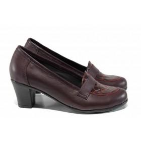 """Дамски обувки на среден ток - естествена кожа с """"кроко"""" мотив - бордо - EO-16077"""