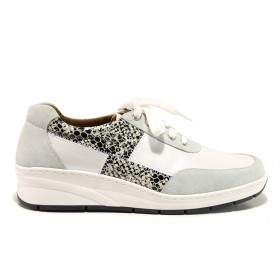 Дамски обувки на платформа - естествена кожа с естествен велур - бели - EO-15120
