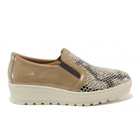 Дамски обувки на платформа - естествена кожа-лак - бежови - EO-15199