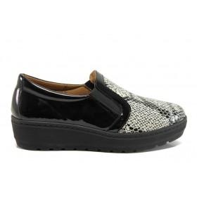 Дамски обувки на платформа - естествена кожа-лак - черни - EO-15198
