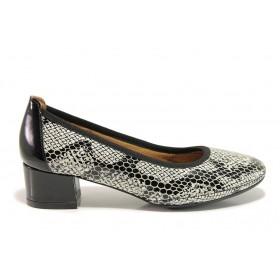Дамски обувки на среден ток - естествена кожа с естествен лак - черни - EO-15221