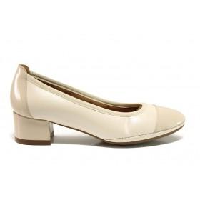 Дамски обувки на среден ток - естествена кожа с естествен лак - бежови - EO-15222