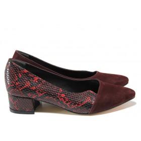 Дамски обувки на среден ток - висококачествена еко-кожа и велур - бордо - EO-15333